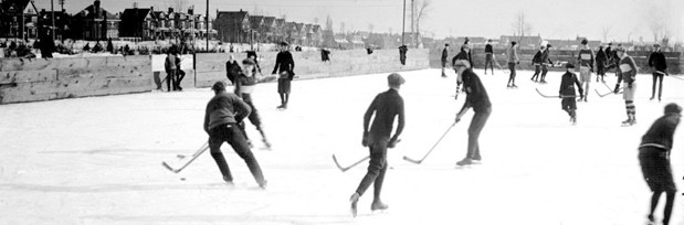 Pondhockey in 1923 in Withrow Park, Toronto, Canada